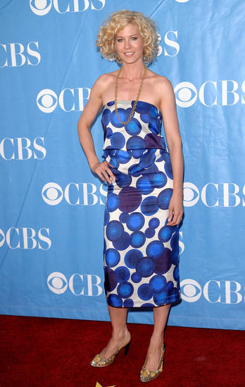 Actress Jenna Elfman arrives at the 2009 CBS Network Upfront party on Wednesday, May 20, 2009 in New York. (AP Photo/Evan Agostini)  ORG XMIT: NYEA101
