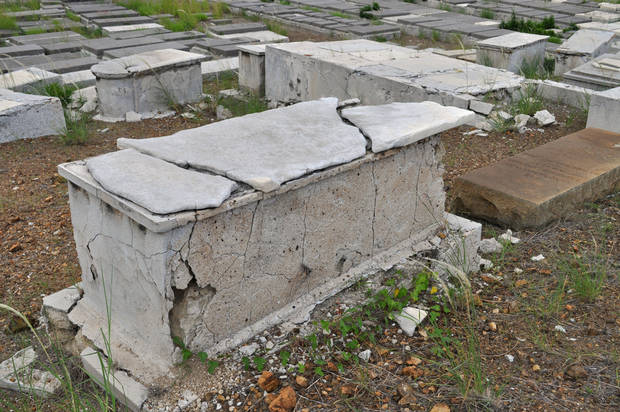 In this Nov. 12, 2012 photo, a crumbling tomb stands in the Beth Haim cemetery in Blenheim on the outskirts of Willemstad, Curacao. AP photo <strong>Karen Attiah</strong>