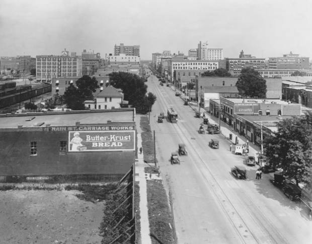 HISTORIC EARLY DAYS / OKLAHOMA CITY, OK / SKYLINE:  Oklahoma City Skyline.  Original photo arrived in library 12/27/1930.