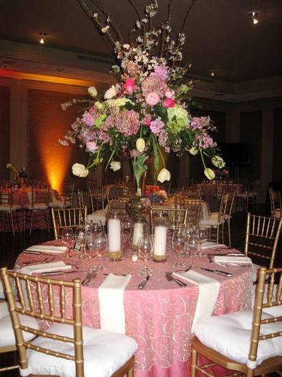 More lovely centerpieces. (Photo by Helen Ford Wallace).