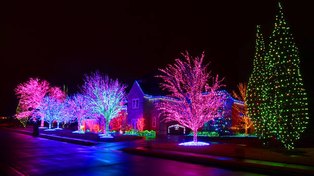 Christmas lights at 2616 Kensington Terrace in Edmond, Monday, December 19 , 2011. Photo by David McDaniel, The Oklahoman