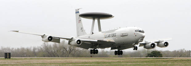 An E-3 Sentry lands at Tinker Air Force Base in 2007. PHOTO BY JIM BECKEL, THE OKLAHOMAN ARCHIVEs