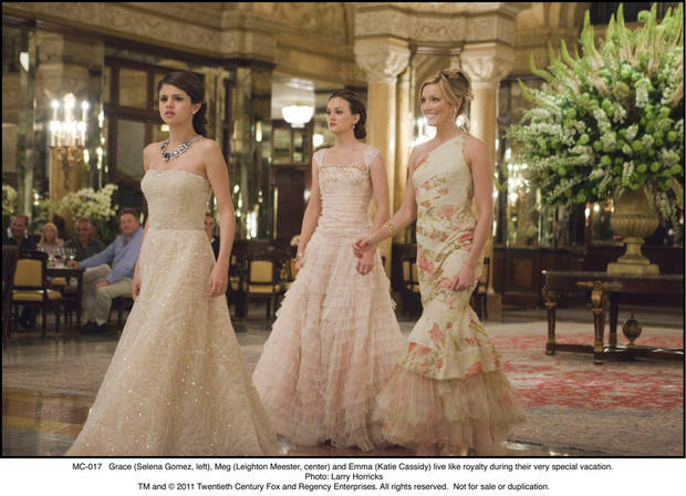 MC-017 Grace (Selena Gomez, left), Meg (Leighton Meester, center) and Emma (Katie Cassidy) live like royalty during their very special vacation.