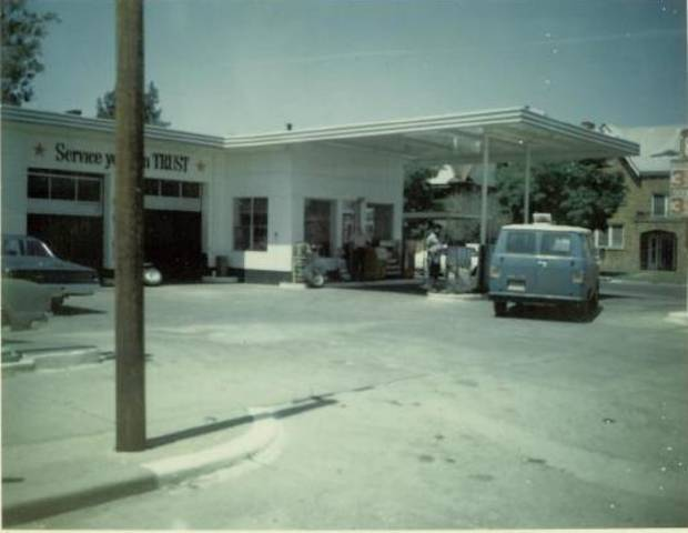 The former Elmer's Texaco at 2425 N Walker Ave. was a longtime community gathering spot until it was sold by Elmer Gentry in the late 1970s. <strong>Provided by Paula Black</strong>
