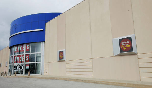 City records show that US Foods plans an operation at the 37,252-square-foot former Ultimate Electronics store at 515 W Interstate 240 Service Road.  Photo by PAUL B. SOUTHERLAND, The Oklahoman