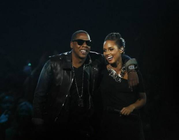 Jay-Z and Alicia Keys perform their new song titled &quot;Empire State of Mind&quot; during the MTV Video Music Awards (AP photo by Jason DeCrow)