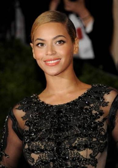 Beyonce Knowles is reportedly scheduled to play during Super Bowl halftime.