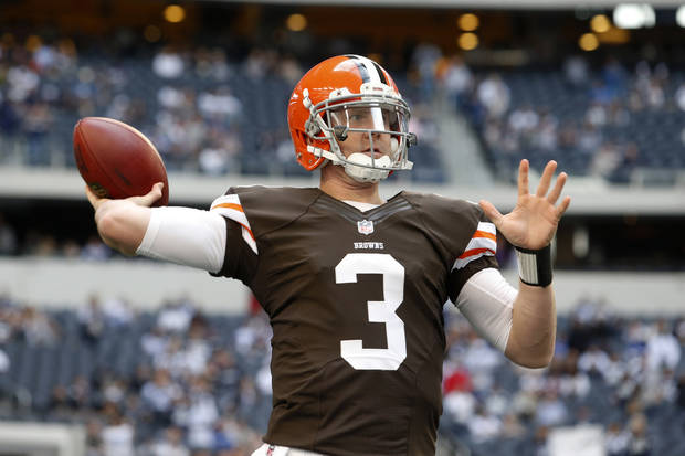 Cleveland Browns quarterback Brandon Weeden (3) throws during warm ups before an NFL football game against the Dallas Cowboys Sunday, Nov. 18, 2012 in Arlington, Texas. (AP Photo/Sharon Ellman)  ORG XMIT: CBS108