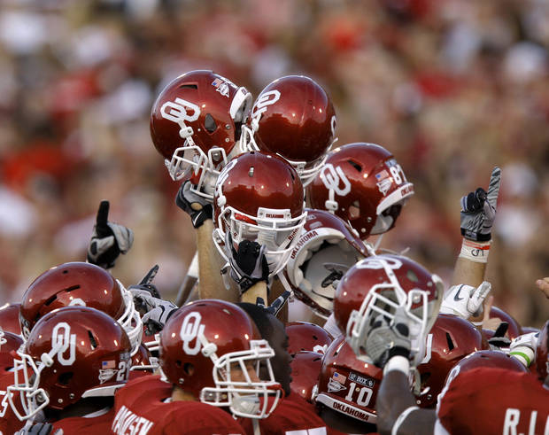 The Oklahoma team gathers before the college football game between the University of Oklahoma Sooners (OU) and the University of Missouri Tigers (MU) at the Gaylord Family-Memorial Stadium on Saturday, Sept. 24, 2011, in Norman, Okla. Photo by Bryan Terry, The Oklahoman