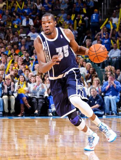 OKC wore its alternate navy blues on Tuesday for the second time / (Pic is from the first time).