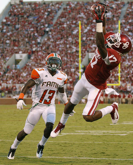 Oklahoma receiver Trey Metoyer catches his only touchdown of the 2012 season during the Sooners' win over Florida A&M. PHOTO BY BRYAN TERRY, The Oklahoman Archives <strong>BRYAN TERRY</strong>