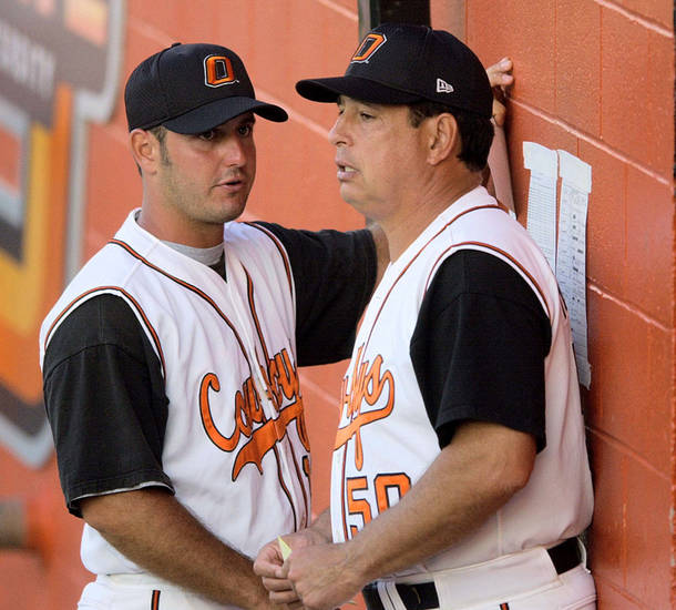 New Oklahoma State coach Josh Holliday, left, is shown with his father, former OSU baseball coach Tom Hollida,y in a 2001 photo. OKLAHOMAN ARCHIVE PHOTO