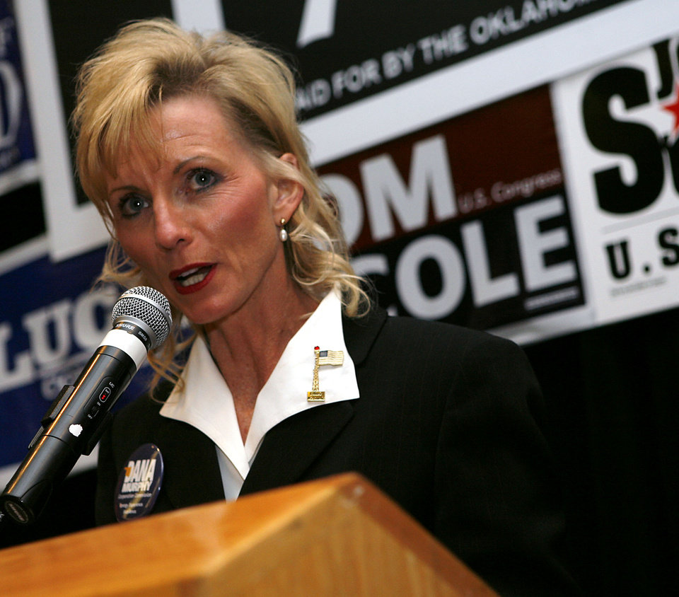 Photo - Dana Murphy speaks during the Republican watch party at the Oklahoma City Marriott on Northwest Expressway in oklahoma City on Tuesday Nov. 4, 2008. BY John Clanton, The Oklahoman.