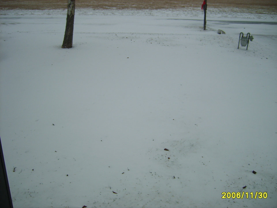 Our front yard<br/><b>Community Photo By:</b> Nicole Blair<br/><b>Submitted By:</b> Nicole, Midwest City