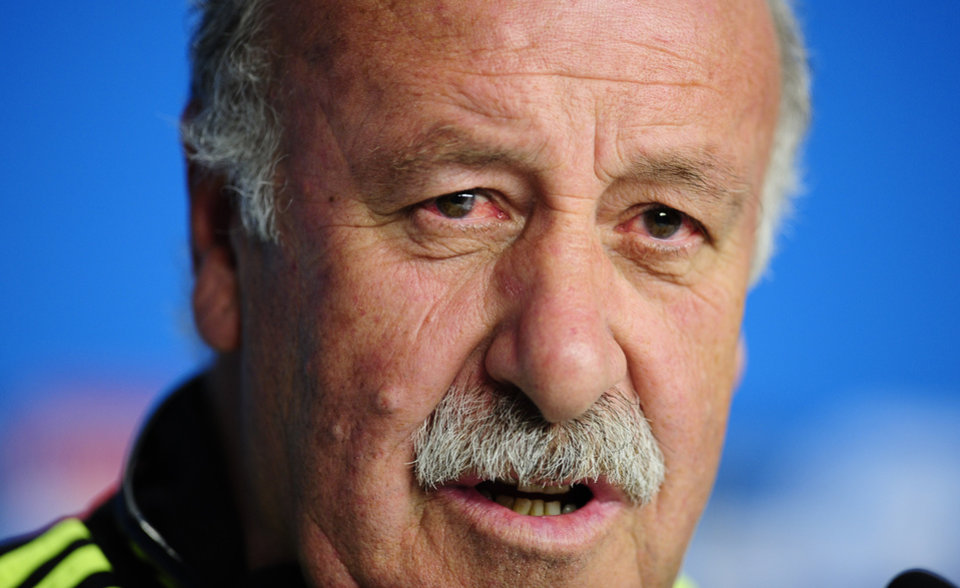 Photo - Spain's head coach Vicente del Bosque speaks during an official press conference the day before the group B World Cup soccer match between Spain and Australia at the at the Arena da Baixada stadium in Curitiba, Brazil, Sunday, June 22, 2014. Spain will play in group B of the Brazil 2014 World Cup. (AP Photo/Manu Fernandez)