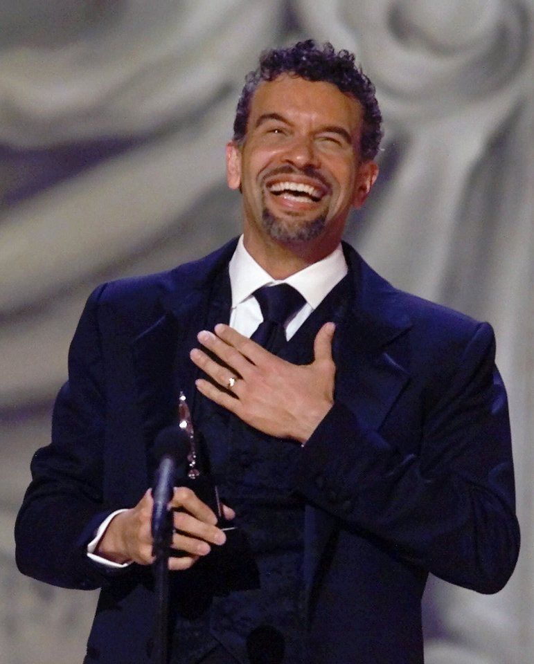Photo - Brian Stokes Mitchell   Photo by Suzanne Plunkett  SUZANNE PLUNKETT  AP