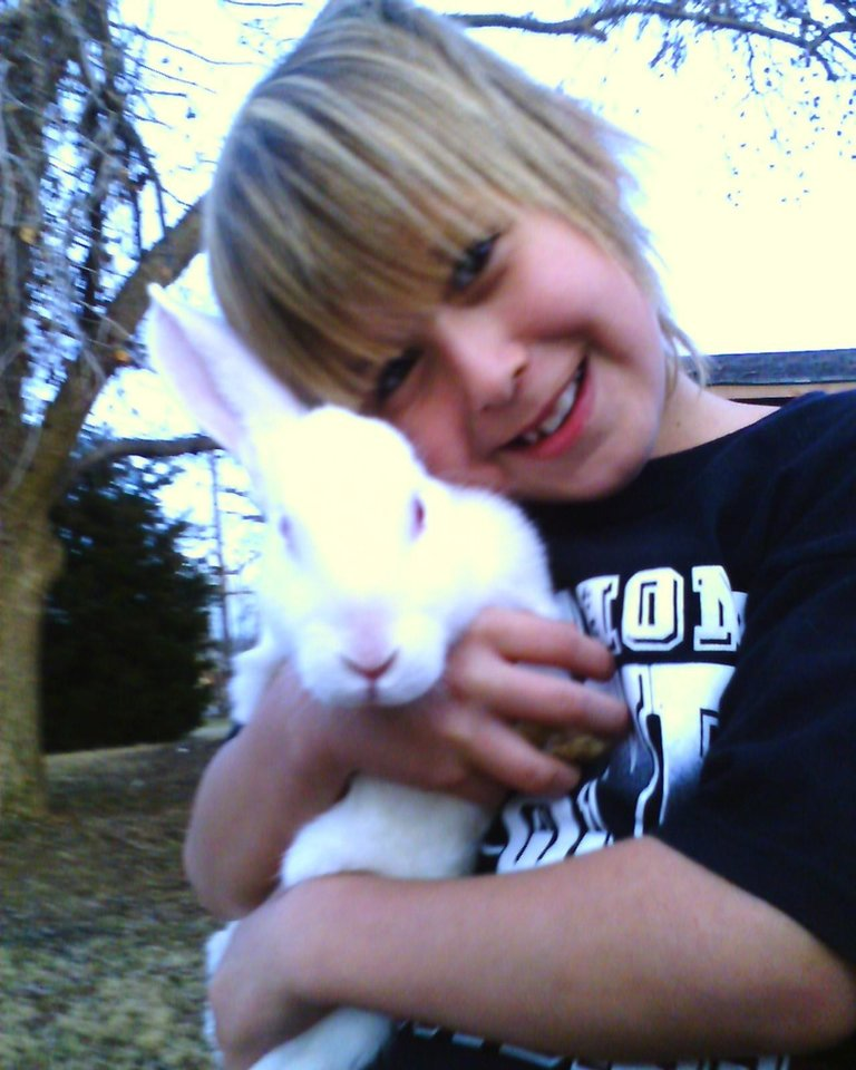 Bunny love kash and buggs bunny..<br/><b>Community Photo By:</b> TAma<br/><b>Submitted By:</b> Tama, Midwest