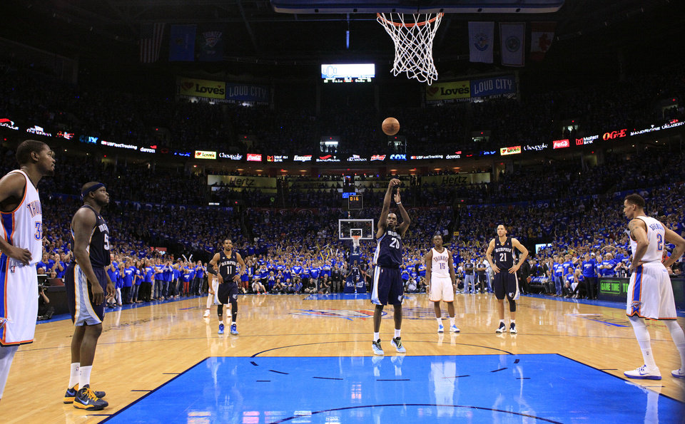 Memphis' Quincy Pondexter (20) shoots and misses a free throw in the final seconds of  Game 1 in the second round of the NBA playoffs between the Oklahoma City Thunder and the Memphis Grizzlies at Chesapeake Energy Arena in Oklahoma City, Sunday, May 5, 2013. Photo by Sarah Phipps, The Oklahoman