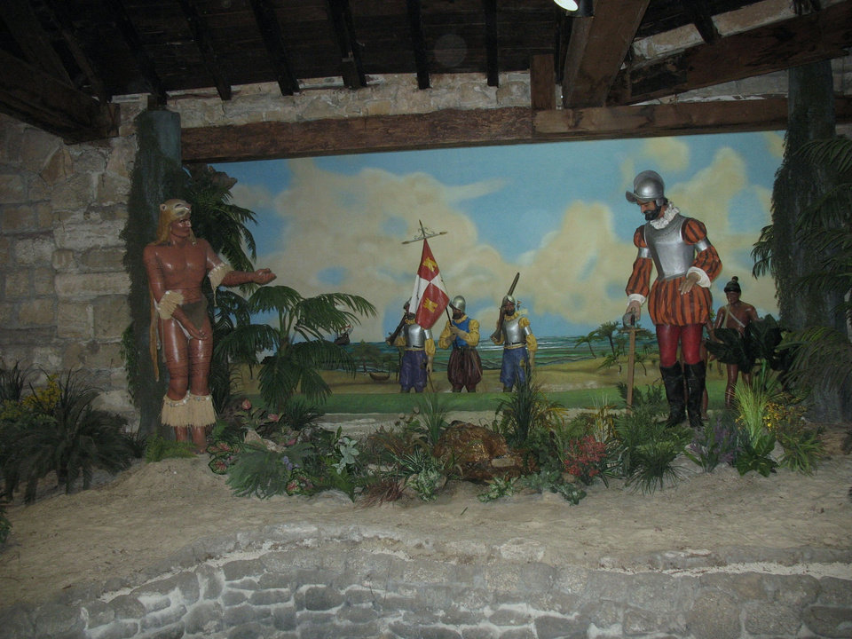 A tableau of mannequins at the Fountain of Youth in St. Augustine, Fla., recalls the first meeting between Ponce de Leon and the Timucuan Indians. Photo courtesy of Glenda Winders.