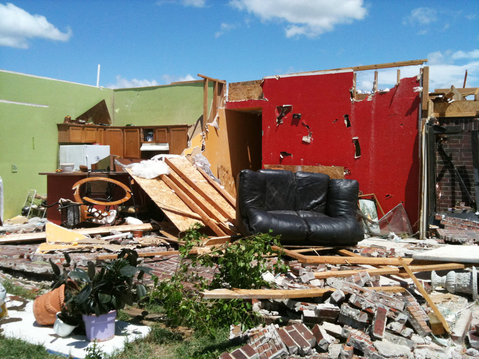 Photo - Storm damage from tornado that went through west El Reno Tuesday, May 24, 2011. Photo by Chris Landsburger, The Oklahoman
