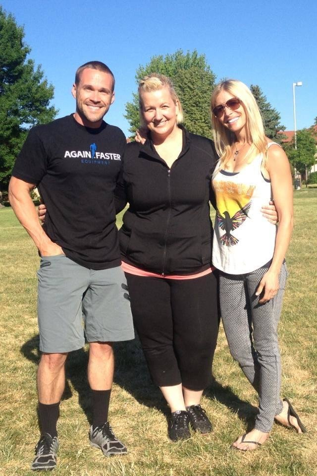 """Photo - Georgeanna Johnson, middle, poses for a picture with Chris and Heidi Powell from the ABC reality TV show """"Extreme Weight Loss.""""  Photo provided"""