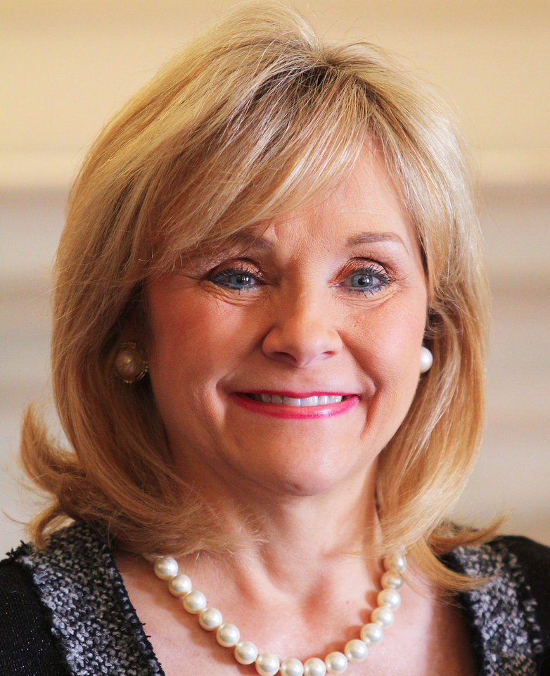Photo - Gov. Mary Fallin  HUGH SCOTT