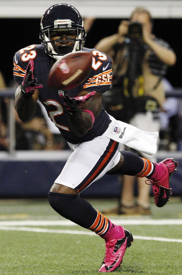 Photo -   Chicago Bears wide receiver Devin Hester (23) makes a touchdown reception against the Dallas Cowboys during the second half of an NFL football game, Monday, Oct. 1, 2012, in Arlington, Texas. (AP Photo/LM Otero)