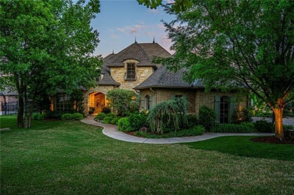 Photo -  The Listing of the Week is at 3600 Redmont Trace, Edmond. [PHOTO PROVIDED]