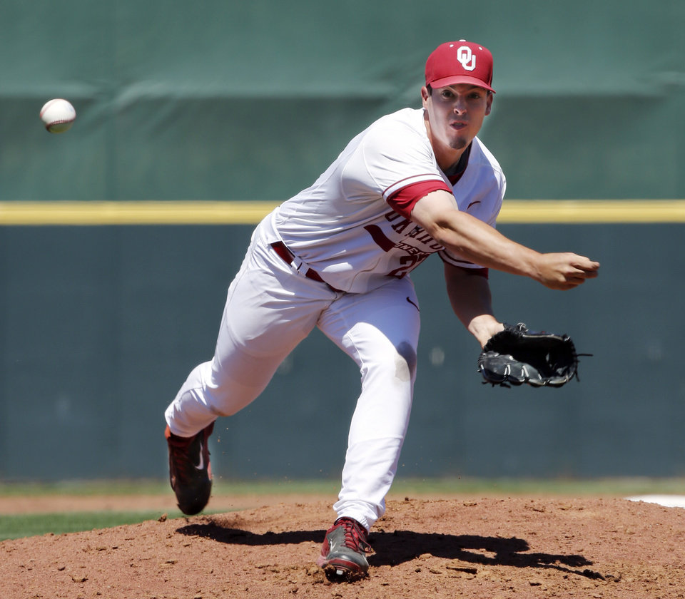 Photo - Oklahoma's Robert Tasin (27) pitches in relief as the University of Oklahoma Sooner (OU) baseball team plays the Baylor Bears in college baeball at L. Dale Mitchell Park on May 3, 2014 in Norman, Okla. Photo by Steve Sisney, The Oklahoman