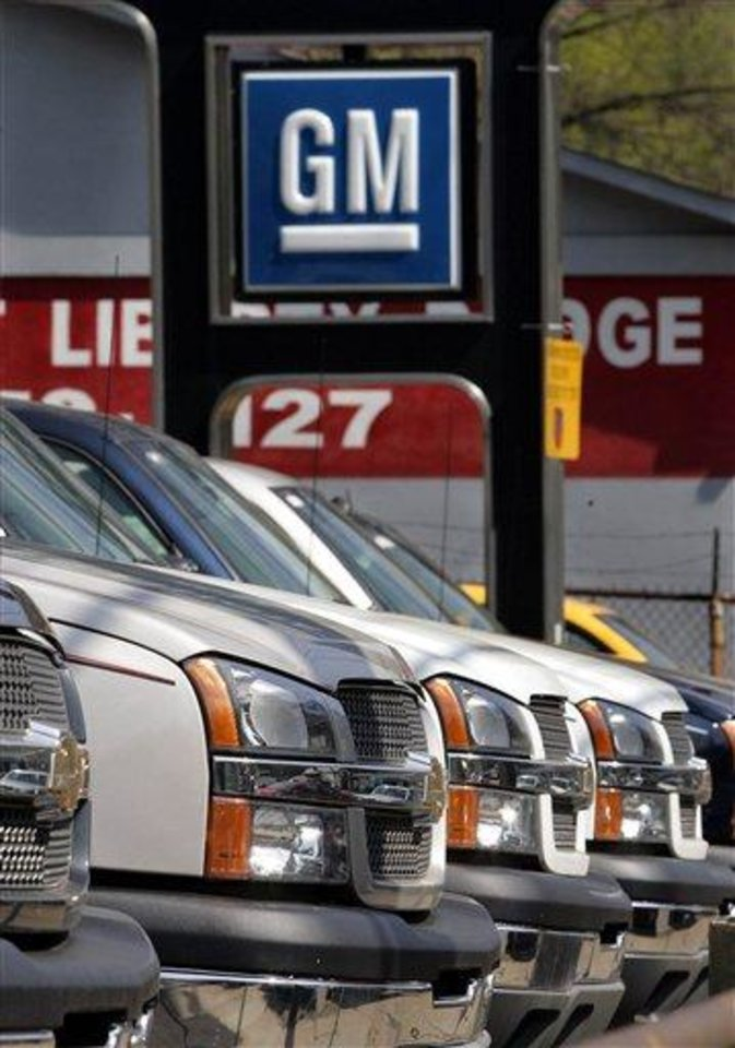 Chevy Trucks line the lot of a Pittsburgh General Motors dealer Wednesday, May 4, 2005. Kirk Kerkorian\'s Tracinda Corp. said Wednesday, May 4, 2005, it is offering to pay about $870 million for a nearly 5 percent stake in General Motors Corp. in a deal that would the the billionaire invertor\'s stake in the world\'s biggest automaker to nearly 9 percent.(AP Photo/Gene J. Puskar)