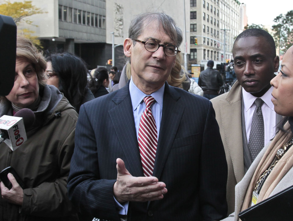 Photo -   Robert Gottlieb, center, lawyer for the family of Pedro Hernandez, who is charged with 1979 killing of Etan Patz, speaks during a news conference outside court on Thursday, Nov. 15, 2012 in New York. Hernandez was in court for a brief proceeding and ordered held without bail until his next court date set for Dec. 12. (AP Photo/Bebeto Matthews)