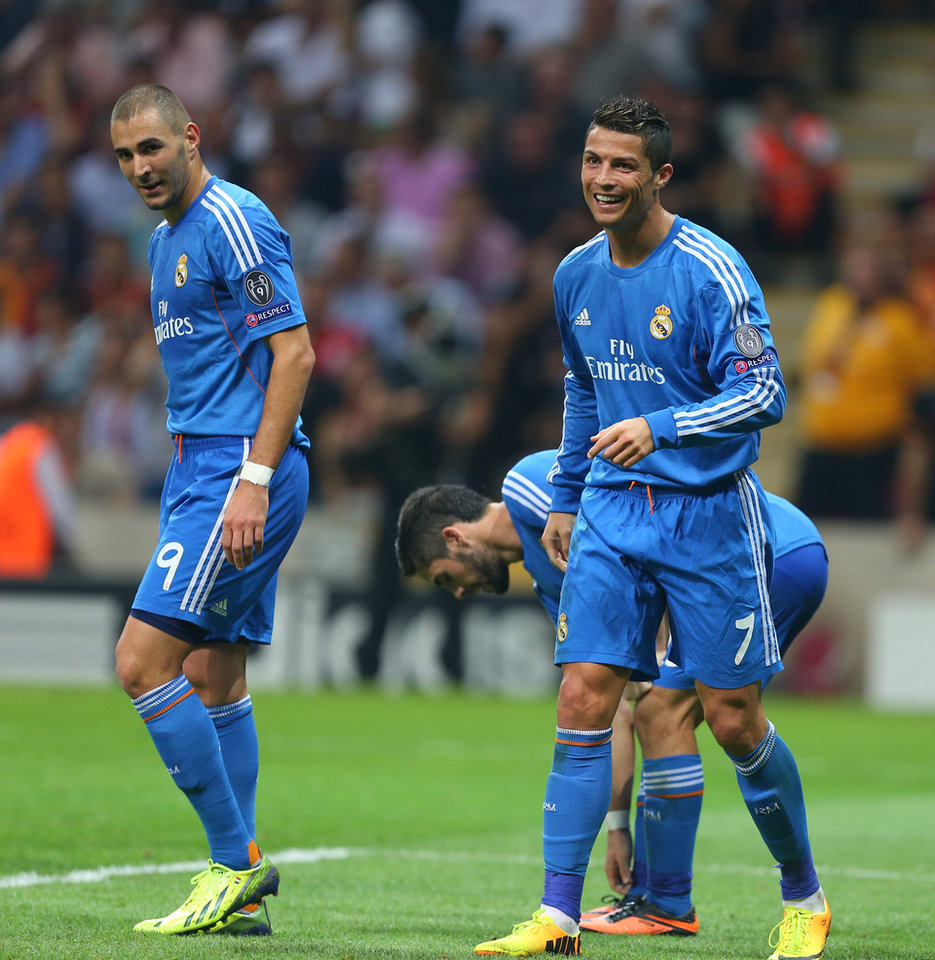 Photo - CORRECTS SPELLING OF GALATASARAY, Real Madrid's Cristiano Ronaldo, right, and  Karim Benzema, during the Champions League Group B soccer match against Galatasaray, in Istanbul, Turkey, Tuesday, Sept. 17, 2013. (AP Photo)
