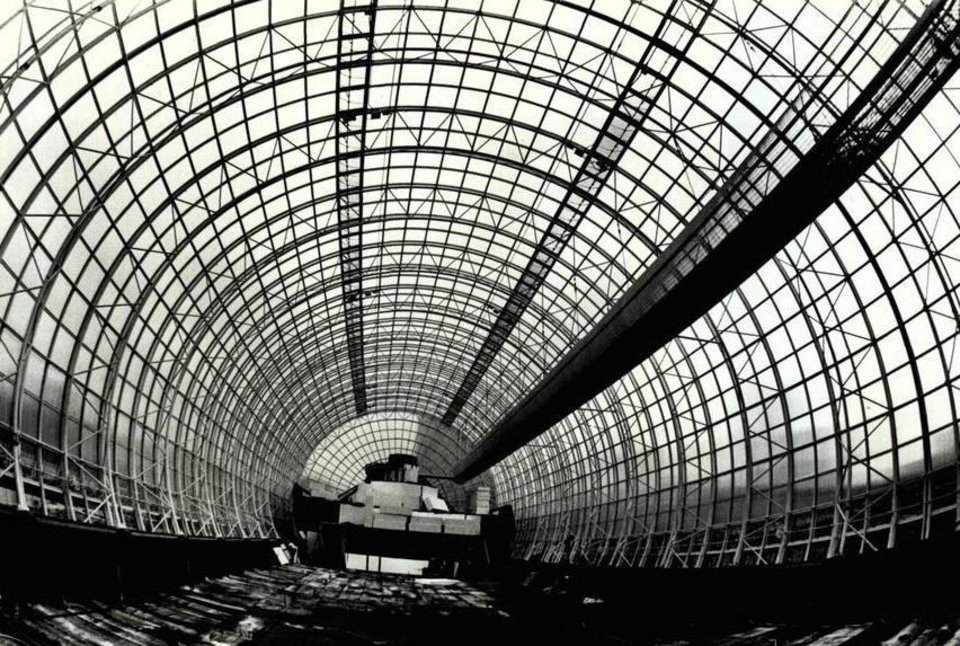 Photo - By June 1984, rows and rows of circular designs could be seen as the tube construction progressed. [Photo by Roger Klock, The Oklahoman Archives]