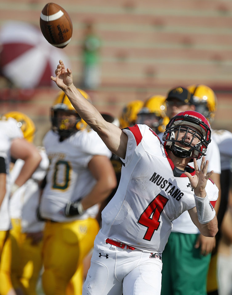 Photo - Mustang's Frankie Edwards during a high school football scrimmage at Mustang, Thursday, August 29, 2013. Photo by Bryan Terry, The Oklahoman