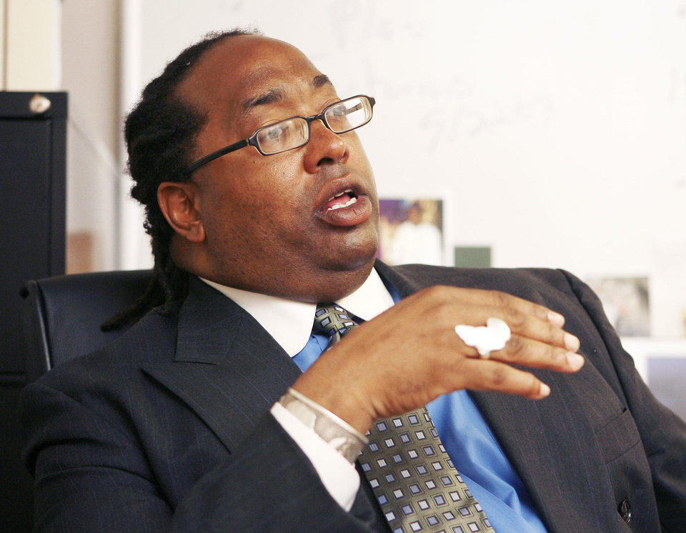 Photo - Kevin McPherson talks in 2008 about the Marcus Garvey Leadership  Charter School he started in Oklahoma City. Photo BY PAUL HELLSTERN,  THE OKLAHOMAN archives