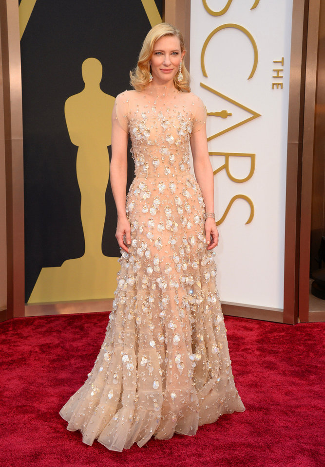 Photo - Cate Blanchett arrives at the Oscars on Sunday, March 2, 2014, at the Dolby Theatre in Los Angeles.  (Photo by Jordan Strauss/Invision/AP)