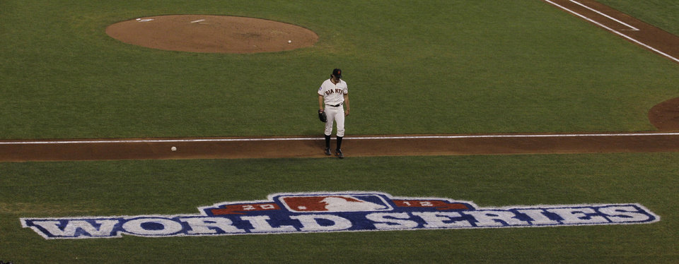 Photo -   San Francisco Giants' Barry Zito walks to the dugout after the fifth inning of Game 1 of baseball's World Series against the Detroit Tigers Wednesday, Oct. 24, 2012, in San Francisco. (AP Photo/Jeff Chiu)