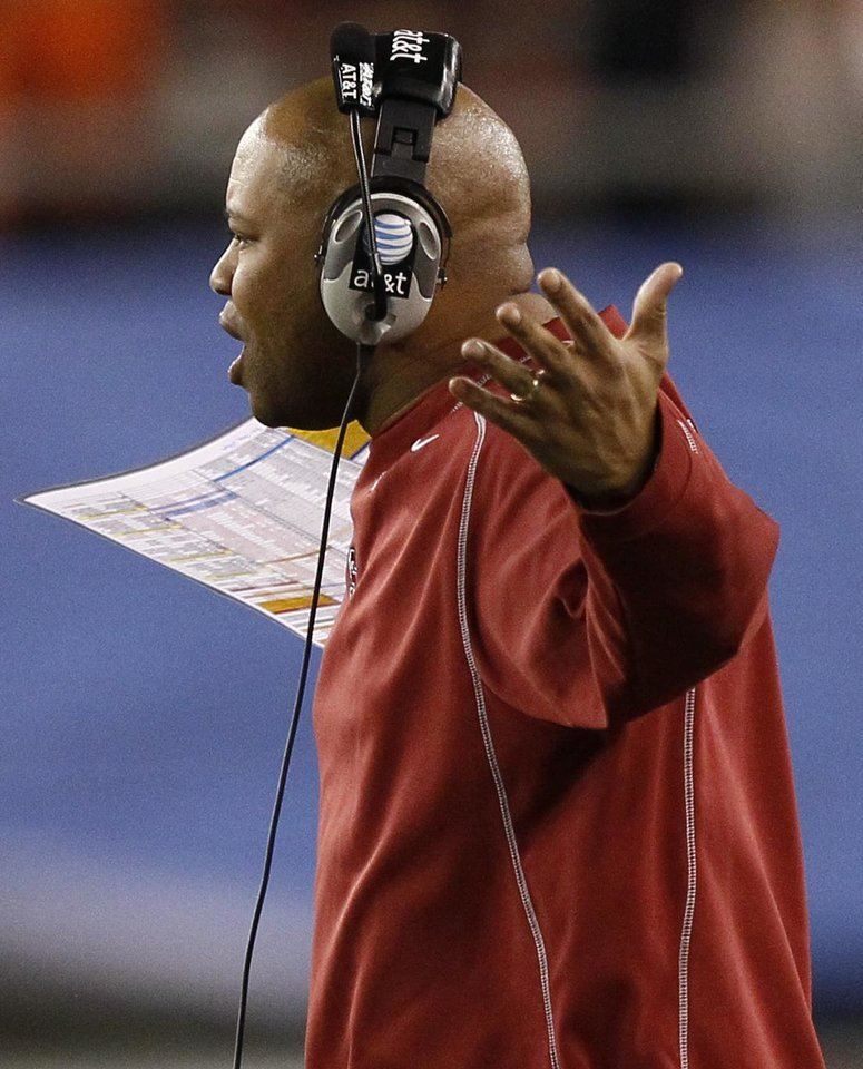 Stanford head coach David Shaw yells to the referee's during the second half of the Fiesta Bowl NCAA college football game against Oklahoma State Monday, Jan. 2, 2012, in Glendale, Ariz. (AP Photo/Matt York)
