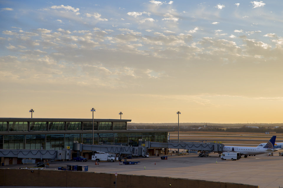 Photo - Will Rogers World Airport in Oklahoma City. (Photo by Bryan Terry, The Oklahoman)
