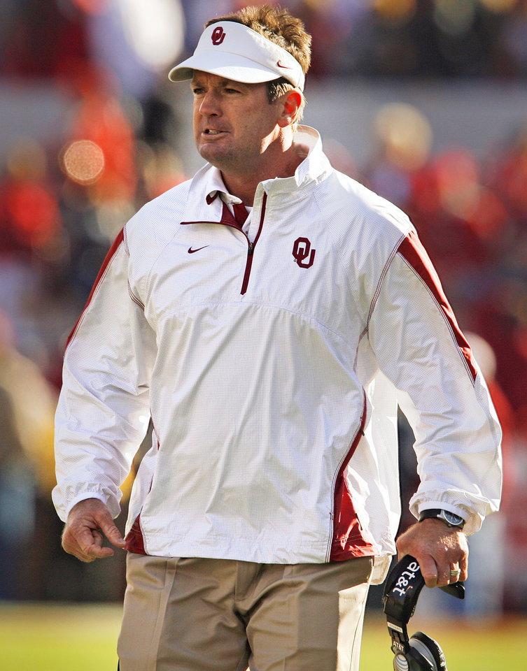 Bob Stoops reacts after a celebration penalty following a touchdown catch during the first half of the college football game between the University of Oklahoma Sooners (OU) and the Texas Tech Red Raiders (TTU) at the Gaylord Family Memorial Stadium on Saturday, Nov. 13, 2010, in Norman, Okla.  Photo by Steve Sisney, The Oklahoman