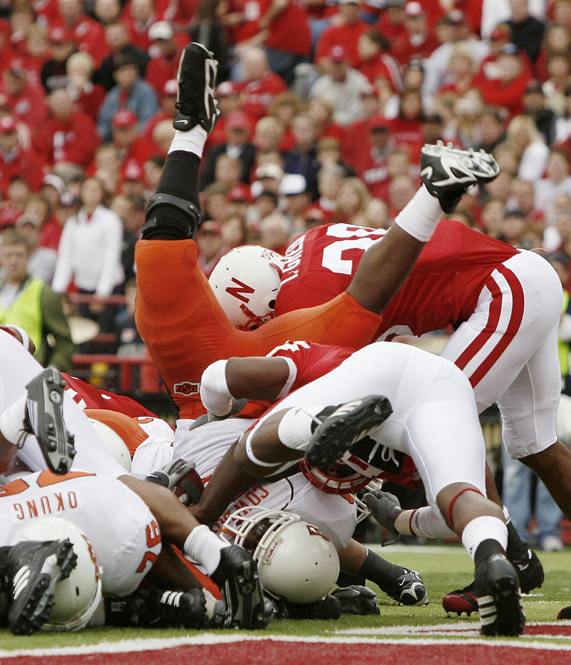Julius Crosslin of OSU scores a touchdown during the college football game between Oklahoma State University (OSU) and the University of Nebraska at Memorial Stadium in Lincoln, Neb., on Saturday, Oct. 13, 2007. By Bryan Terry, The Oklahoman