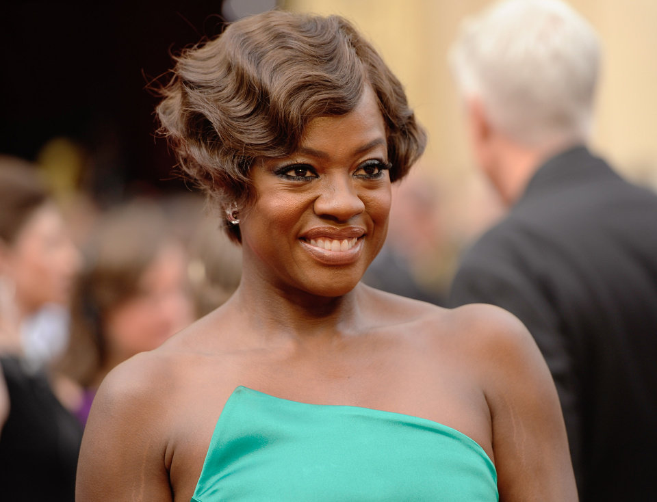 Photo - Viola Davis arrives at the Oscars on Sunday, March 2, 2014, at the Dolby Theatre in Los Angeles.  (Photo by Chris Pizzello/Invision/AP)