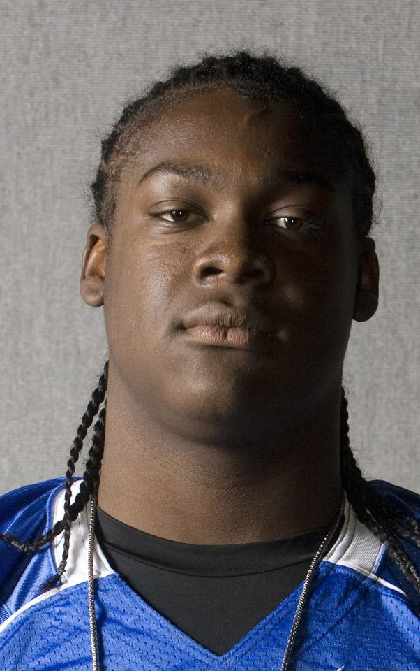 Photo - OU, UNIVERSITY OF OKLAHOMA SIGNEE:  08/07/09....Photo by Larry Kolvoord...AUSTIN AMERICAN-STATESMAN...All Centex Preseason Team....Tyrus Thompson of Pflugerville. ORG XMIT: AAS0908071746110105