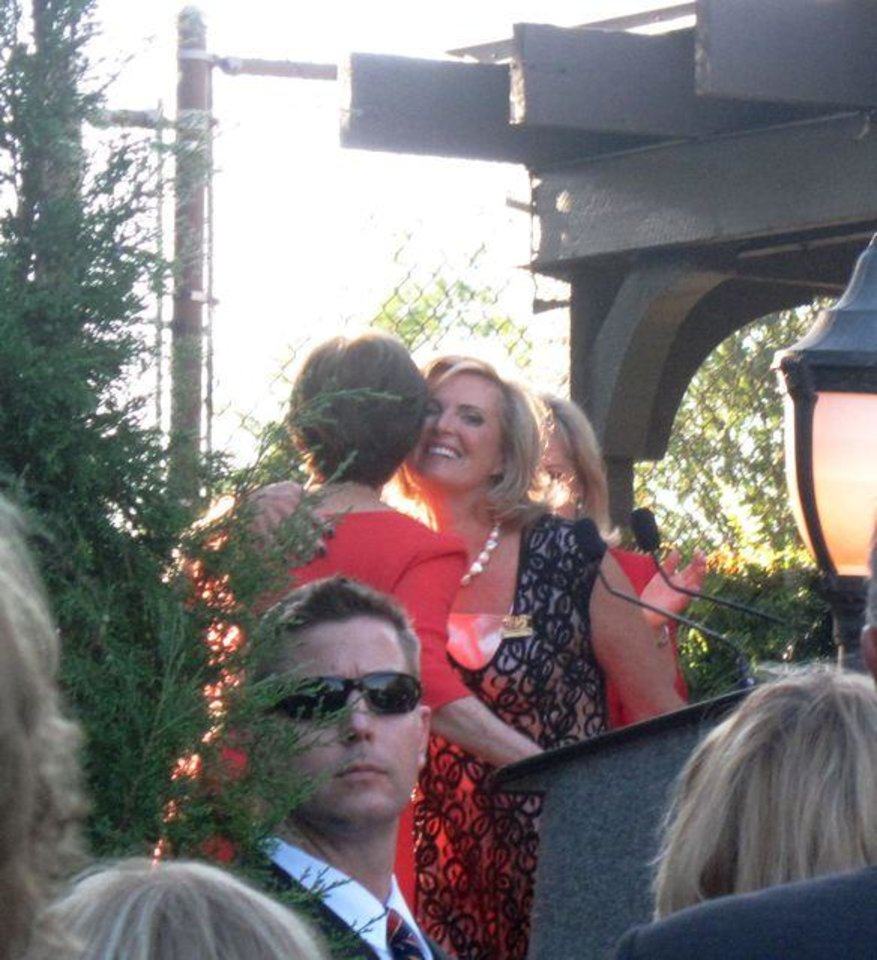 Laura Bush introduces Ann Romney. (Photo by Helen Ford Wallace).