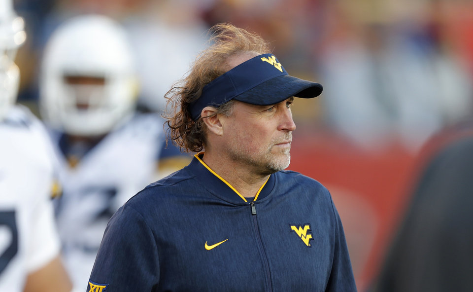 Photo - West Virginia head coach Dana Holgorsen and Washington State's Mike Leach should keep the things interesting in the Alamo Bowl. [AP PHOTO]