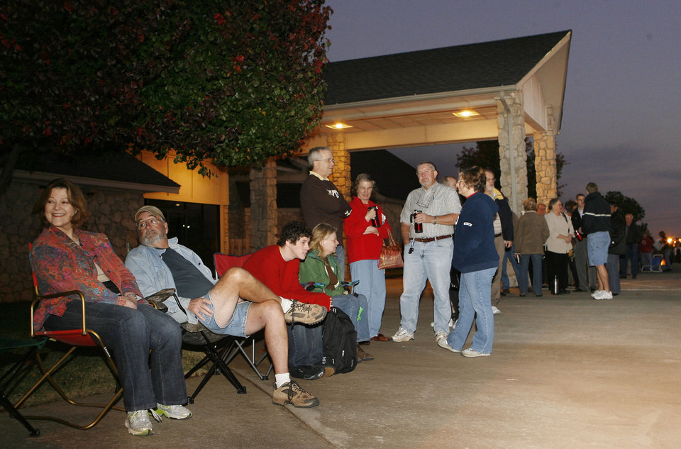 Photo - Voters line up to vote at 6:00 AM at the Cathederal of the Hills in Edmond, OK, Tuesday, Nov. 4, 2008. BY PAUL HELLSTERN, THE OKLAHOMAN