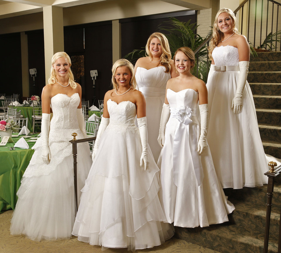 Photo - Debutantes of the Beaux Arts Ball Berkley June Petersen, Taylor Nicole Ogle, Natalie Anne Turner, Katie Grace Cunningham and Anna Elizabeth Denner are seen on Saturday, Nov. 30, 2013, in Oklahoma City Okla.  Photo by Steve Sisney, The Oklahoman  STEVE SISNEY - THE OKLAHOMAN