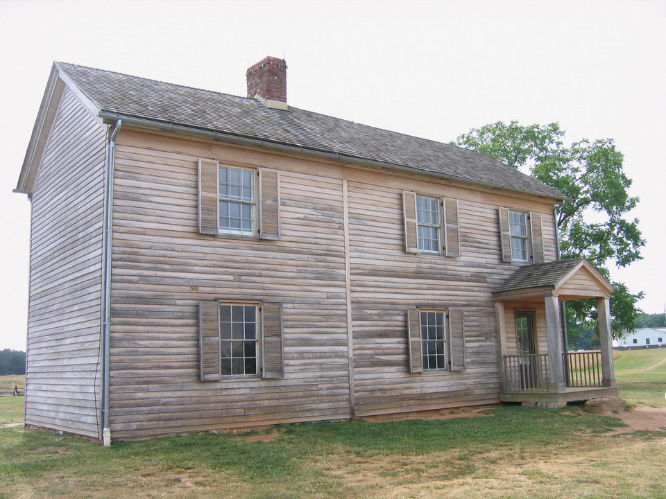 Photo - The Henry House, a Civil War-era homestead on the grounds of the Manassas National Battlefield Park. PHOTO BY RICK ROGERS, THE OKLAHOMAN 		ORG XMIT: 1001081812500824
