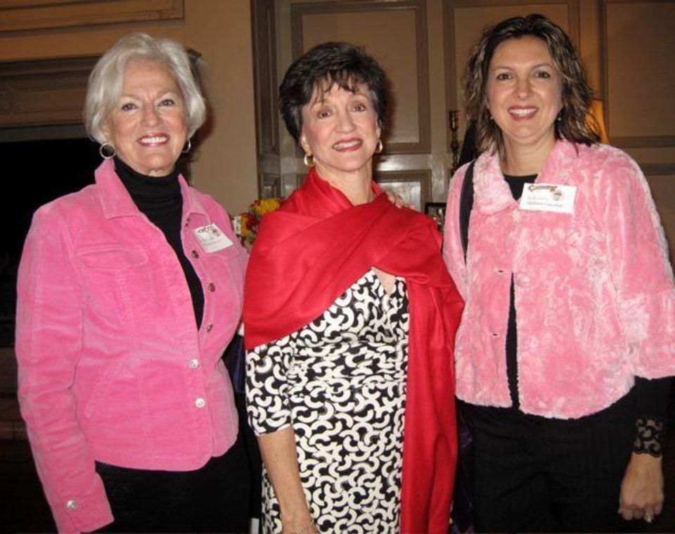Heart Rhythm Institute..Caroline Cannon, Gennie Johnson and Kelly Suchy were at the event. (Photo by Helen Ford Wallace).