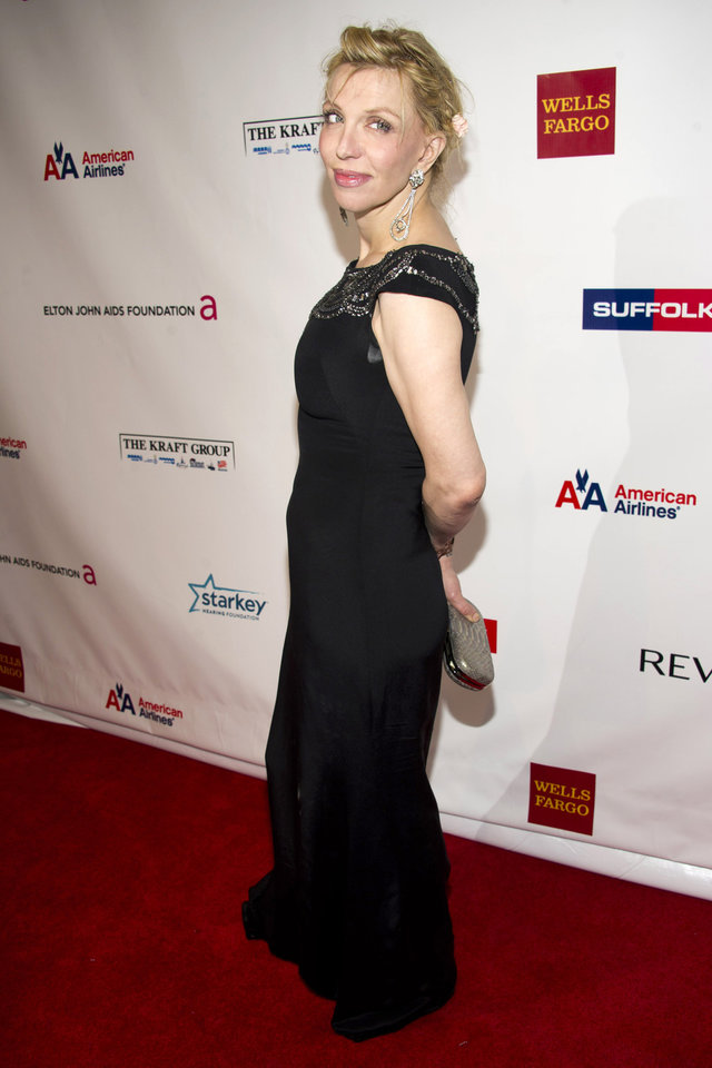 Photo -   Courtney Love attends Elton John's AIDS Foundation's 11th annual Enduring Vision benefit on Monday, Oct. 15, 2012 in New York. (Photo by Charles Sykes/Invision/AP)